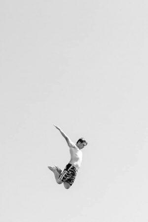 Rocher du Goudoul #18, 2020 Tirage pigmentaire sur papier Hahnemühle Rag contrecollé sur aluminium, encadrement caisse américaine blanc mat Dim. tirage : 36 x 24 cm Dim. cadre : 39 x 27 cm Edition de 7 exemplaires + 2 épreuves d'artiste Signé, daté et numéroté au dos du cadre ©Gilles Coulon  courtesy galerie Sit Down
