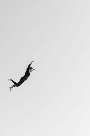 Rocher du Goudoul #9, 2020 Tirage pigmentaire sur papier Hahnemühle Rag contrecollé sur aluminium, encadrement caisse américaine blanc mat Dim. tirage : 36 x 24 cm Dim. cadre : 39 x 27 cm Edition de 7 exemplaires + 2 épreuves d'artiste Signé, daté et numéroté au dos du cadre ©Gilles Coulon  courtesy galerie Sit Down