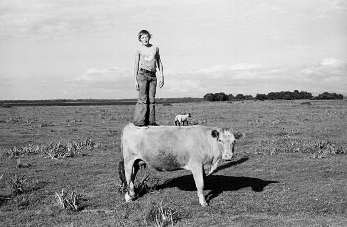 Standing Tall on Gráinne, 1975 ©Tom Wood courtesy galerie Sit Down