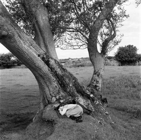 Country Silence, Castle Field, 1978 ©Tom Wood courtesy galerie Sit Down