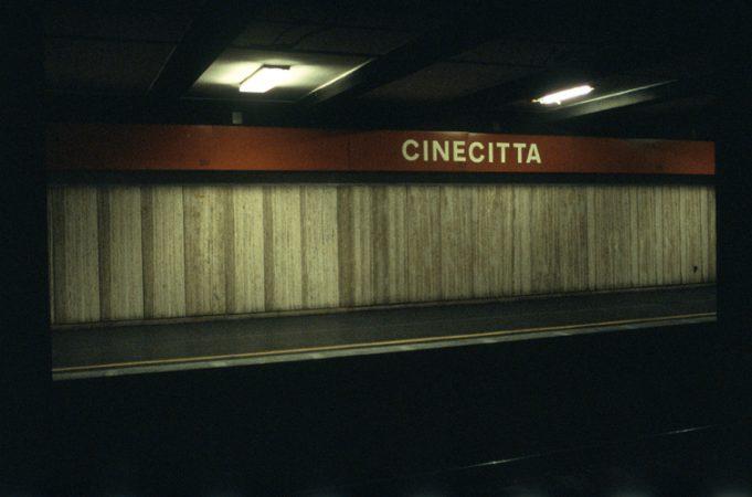 """Série """"Villes de cinema"""", Cinecitta, Rome 2000-2010, tirage Fresson, © Laure Vasconi courtesy galerie Sit Down"""
