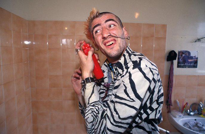 Un punk, Paris, squat de la rue Didot, 1994 Yan Morvan - Gangs - galerie Sit Down